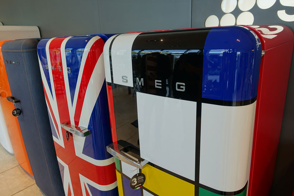 Smeg Kühlschrank Nach Transport : Smeg kühlschrank multicolor fab rdmc welter welter köln