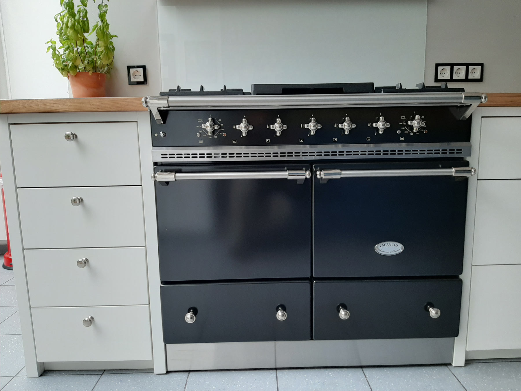Lacanche-Cluny-schwarz-nickelMkhusF98g2b09